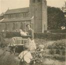 Huis bij kerk 1952